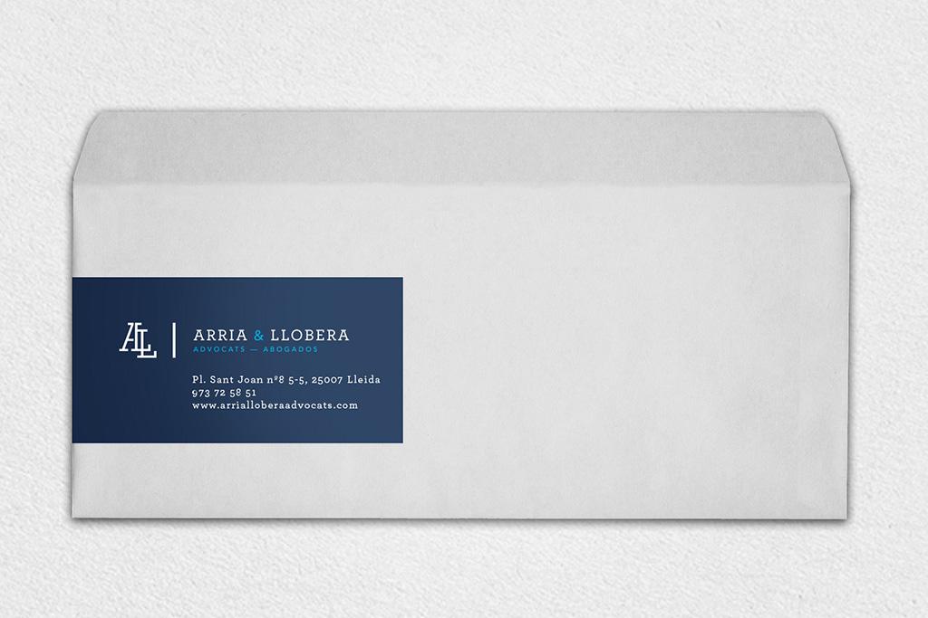 Disseño del sobre para Arria Llobera Advocats Lleida. Disseny del sobre per a Arria Llobera Advocats Lleida.
